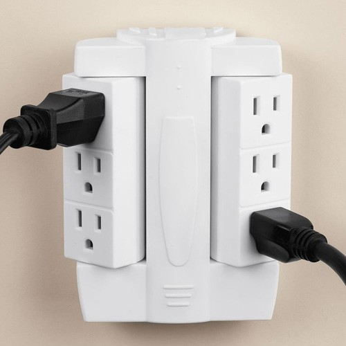 Swivel N' Whirl Socket Compact Outlet