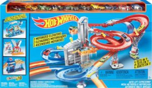Hot Wheels Mega Metropolis Track Set – $39.99!! (reg. $79.99)