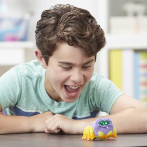Yellies! Harry Scoots; Voice-Activated Spider Pet Only $4.99!