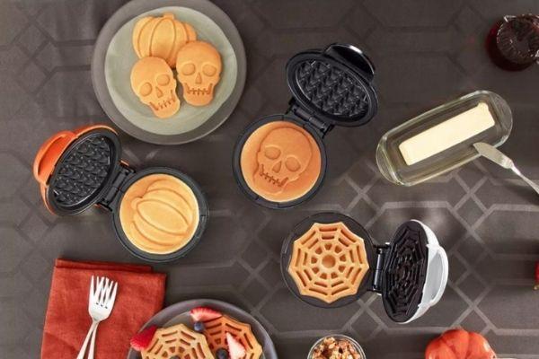 Halloween Dash Mini Waffle Makers